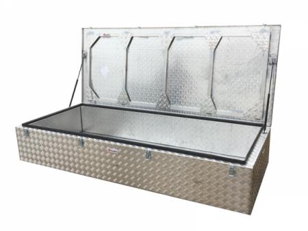 Caja de aluminio para velas barco 2108