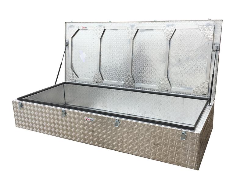 caja metalica para velas de barco