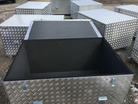 transporte de arte en cajas de aluminio