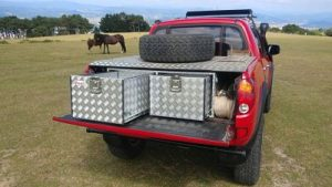 Cajoneras extraibles sobre caja de mitsubishi L200 con caja recortada