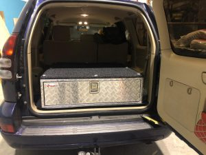 Toyota Hdj120 con cajonera 4x4 de un solo cajón